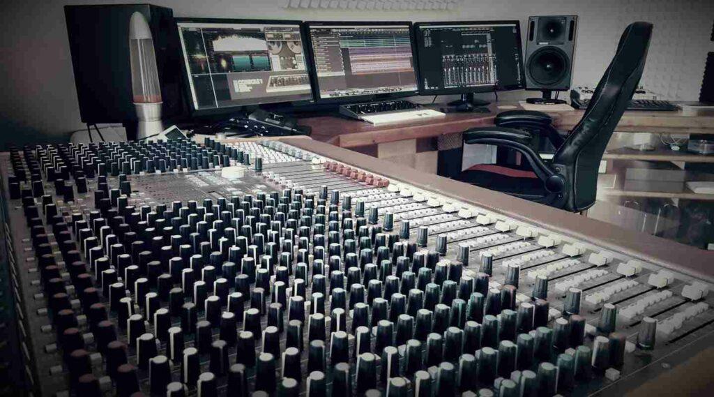 tonformer-erfurt-mischpult-desk-filtered-tfr